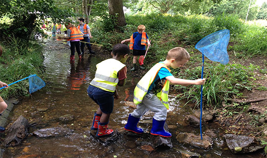 Children's holiday club at the pond