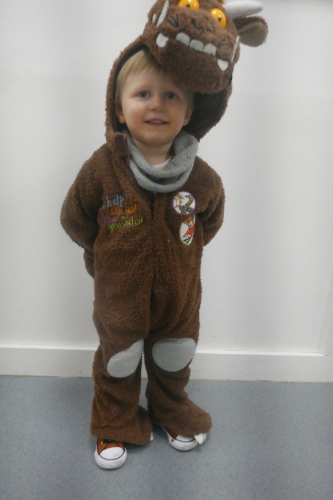 Child dressed as the Guffalo